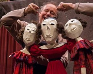 Optimized-STEP SISTERS AND MOTHER David Powell in Puppetmongers' Cinderella in Muddy York, photo by Dahlia Katz (1)